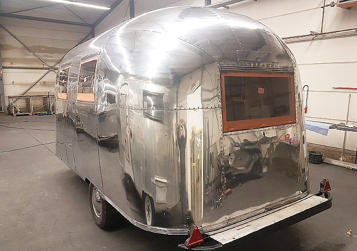 17ft_airstream_caravel_1967_polished_b.jpg