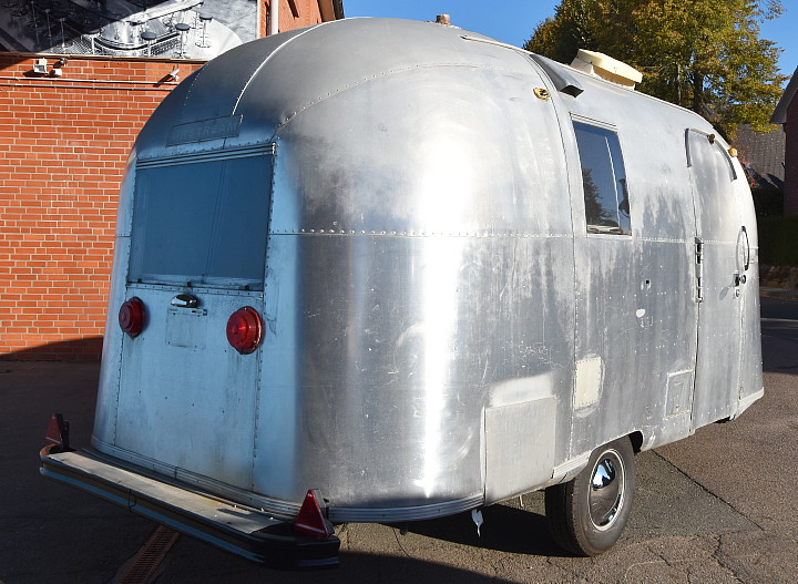 airstream_caravel_1966_b.jpg