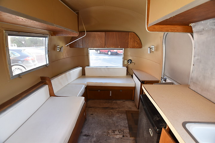 interior_airstream2.jpg