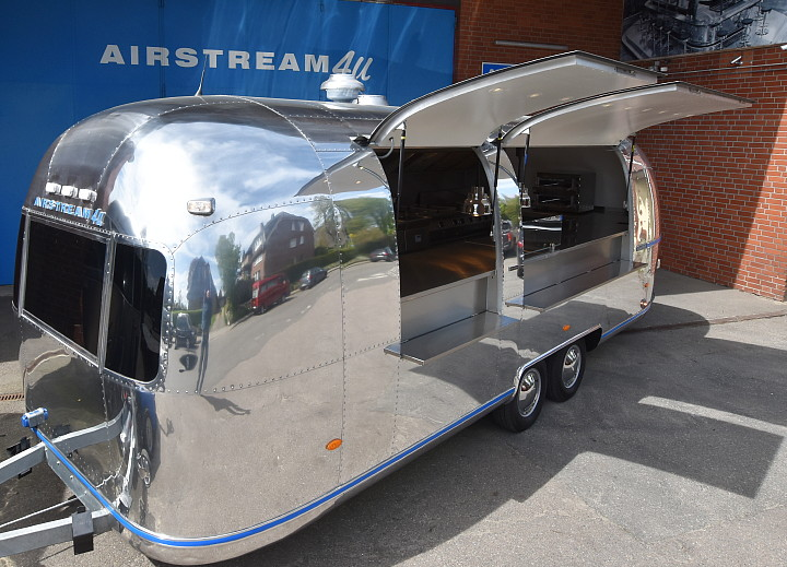airstream4u_lemonpie_catering_mobile_kitchen_a.jpg
