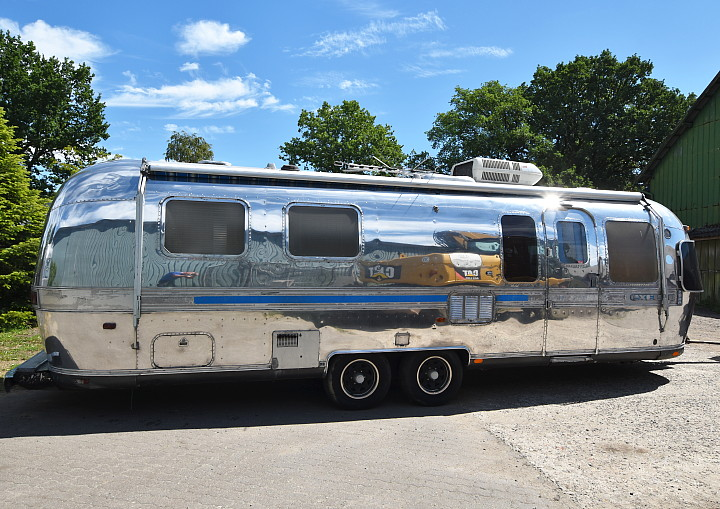 airstream_excella_1000_31ft.jpg