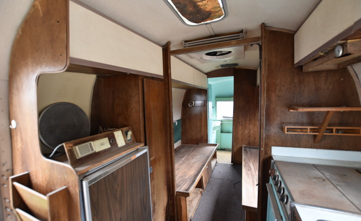airstream_tradewind_1967_interior1.jpg