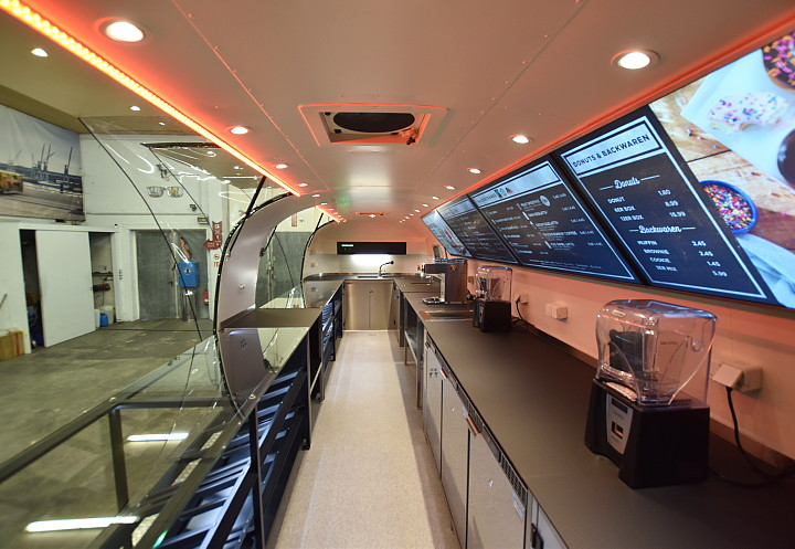 dunkin_donuts_airstream4u_interior_a.jpg