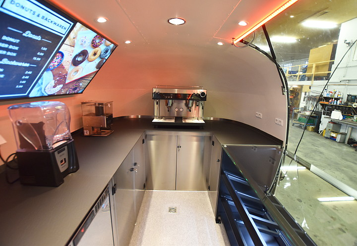 dunkin_donuts_airstream4u_interior_d.jpg