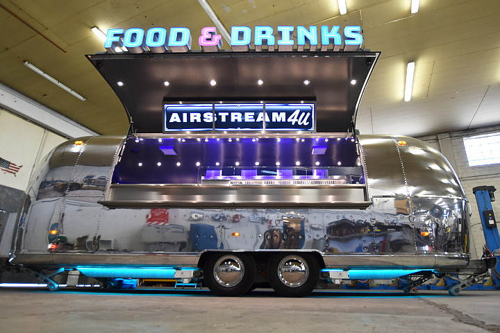 Airstream4u_food_trailer_star.jpg