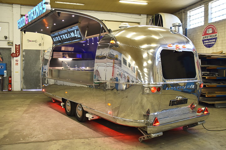 Airstream4u_food_trailer_star_a.jpg