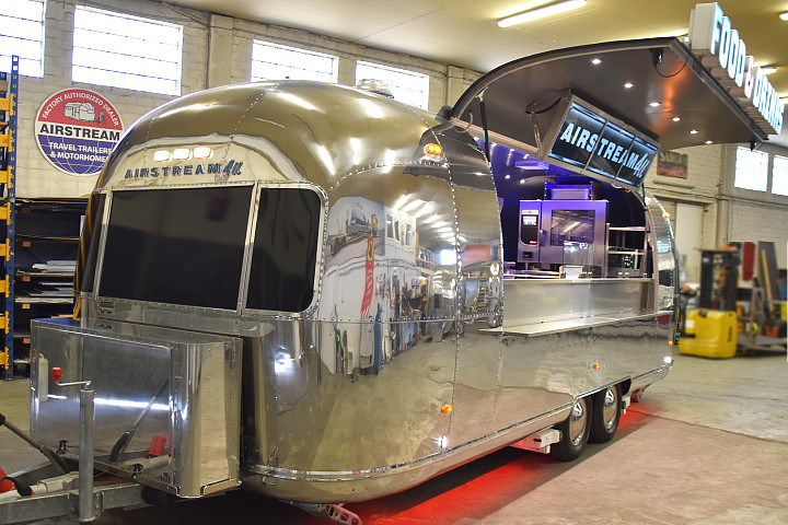 Airstream4u_food_trailer_star_b.jpg