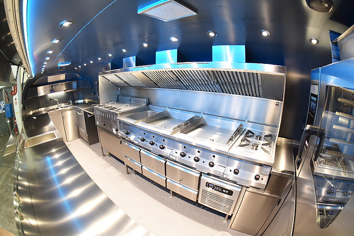 airstream_star_4u_mobile_kitchen_b.jpg