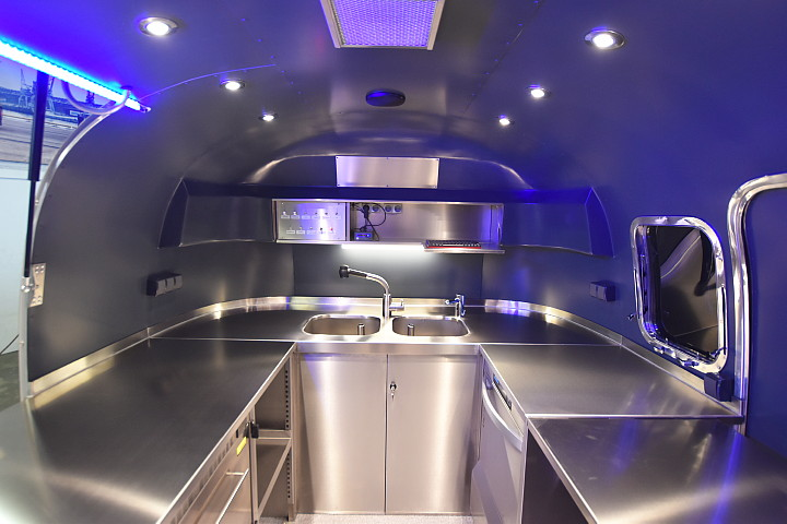 airstream_star_4u_mobile_kitchen_c.jpg