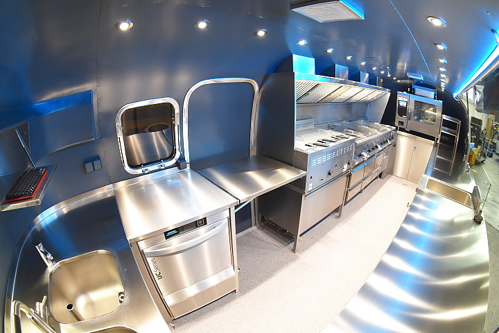 airstream_star_4u_mobile_kitchen_d.jpg